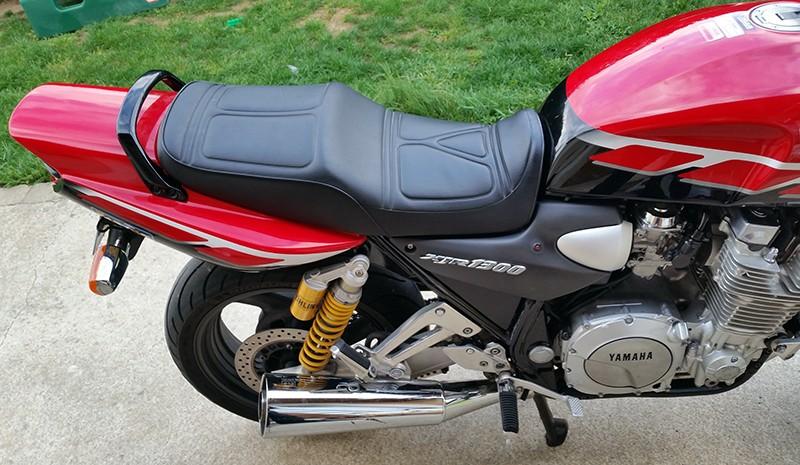 Mon XJR 1300 SP Rouge ! (le rouge ça va plus vite^^) Droit210