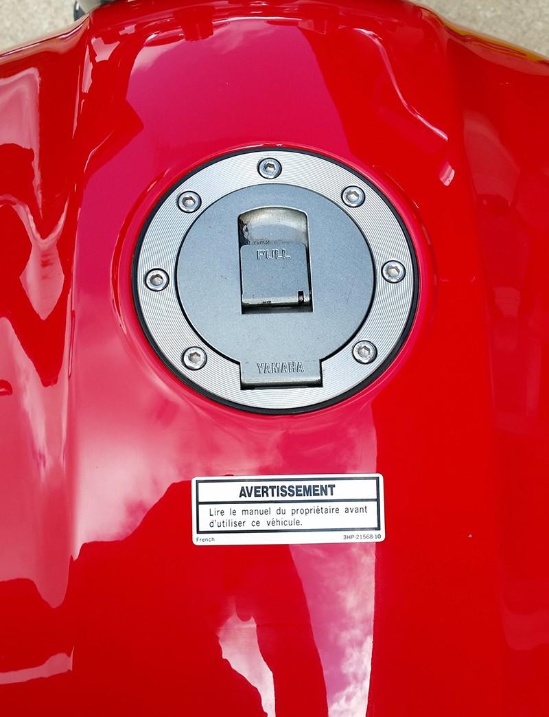Mon XJR 1300 SP Rouge ! (le rouge ça va plus vite^^) Sticke11