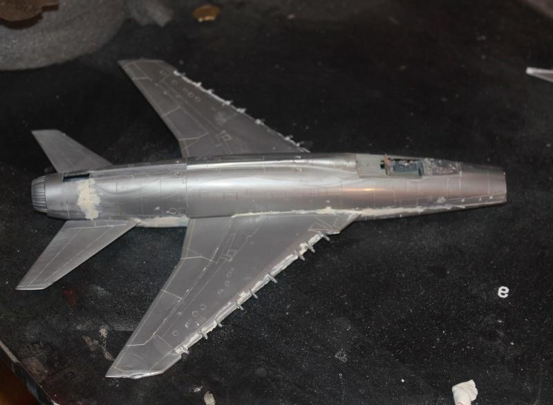 F 100 SUPER SABRE 1/48 Monogram Img_8511