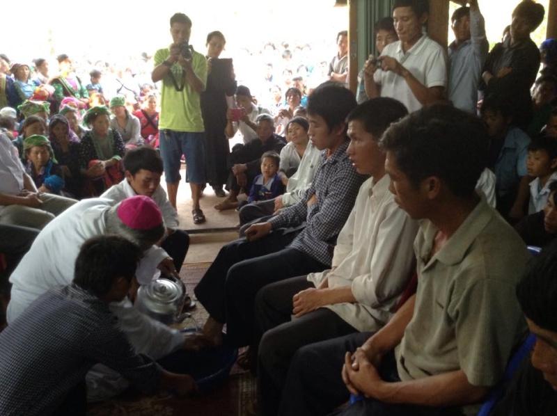 Người Công Giáo H, Mông ở Điên Biên Hmoob Kav Tos liv (Catholic) nyob xeev Dien Bien cob tsib teb 10408610