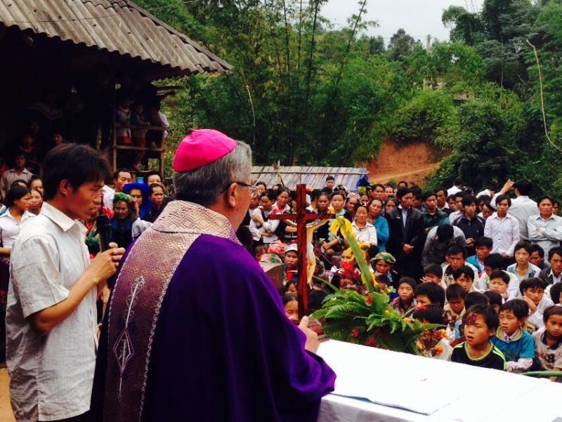 HMOOB CATHOLIC NYOB COB TSIB TEB (Hmong Catholic Vietnam) - Page 6 Cobtsi10