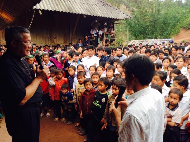 HMOOB CATHOLIC NYOB COB TSIB TEB (Hmong Catholic Vietnam) - Page 6 Cobtsi12
