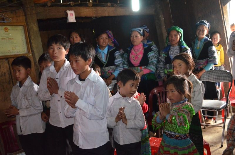 HMOOB CATHOLIC NYOB COB TSIB TEB (Hmong Catholic Vietnam) - Page 6 Sapa510