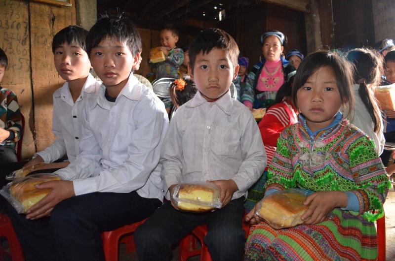 HMOOB CATHOLIC NYOB COB TSIB TEB (Hmong Catholic Vietnam) - Page 6 Sapa710