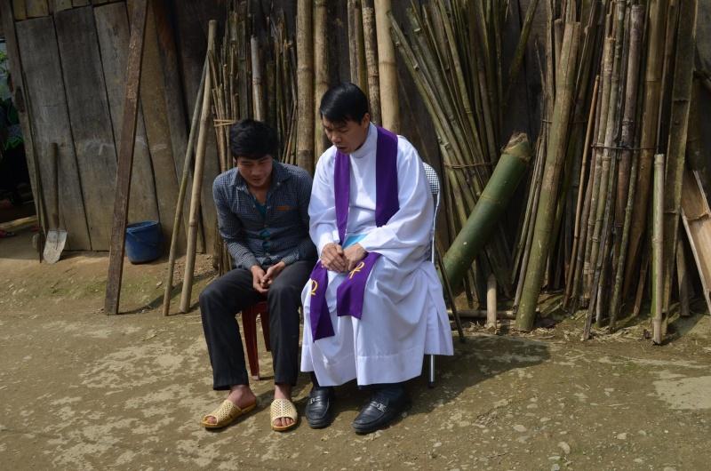 HMOOB CATHOLIC NYOB COB TSIB TEB (Hmong Catholic Vietnam) - Page 6 Sapa_d10