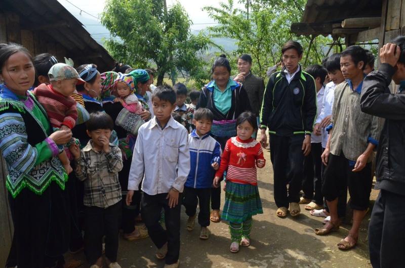 HMOOB CATHOLIC NYOB COB TSIB TEB (Hmong Catholic Vietnam) - Page 6 Sapa_h10
