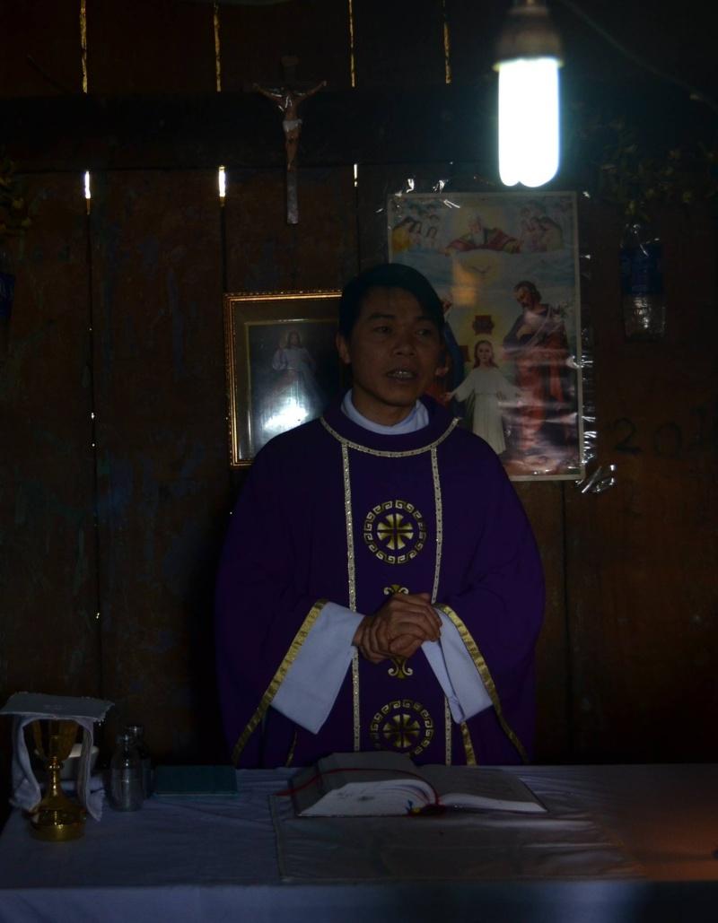 HMOOB CATHOLIC NYOB COB TSIB TEB (Hmong Catholic Vietnam) - Page 6 Sapa_t10