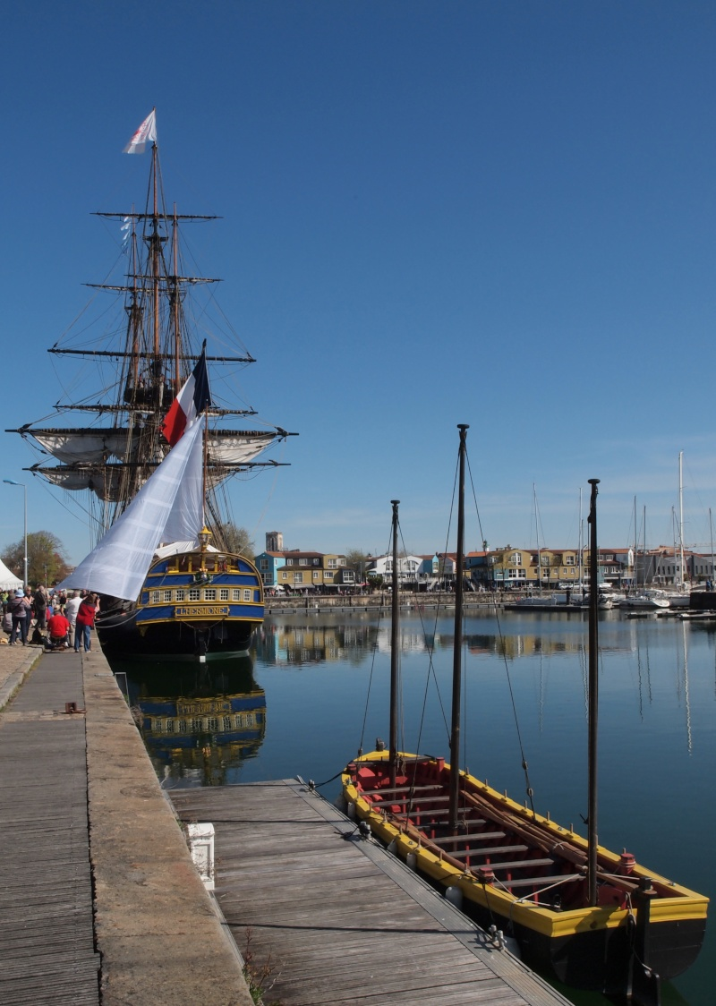 De Passage à la Rochelle le 14-04-2015 avant le départ de L'Hermione 711