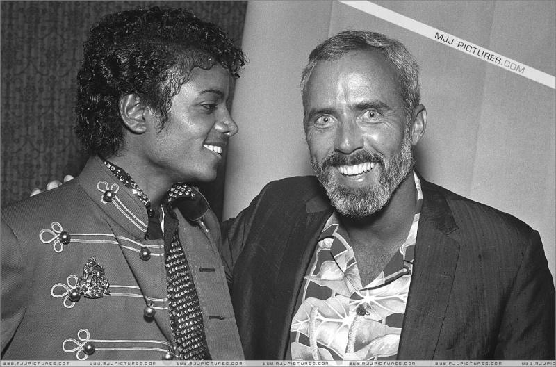 Il sorriso di Michael - Pagina 16 00511
