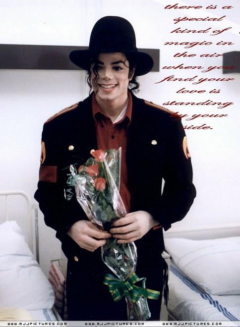 Il sorriso di Michael - Pagina 17 Smile11