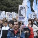 Marcha en La Plata a 39 años del golpe militar 00128
