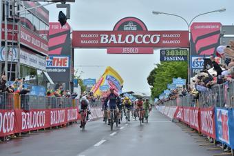 GIRO D'ITALIA  --  09 au 31.05.2015 Giro1110