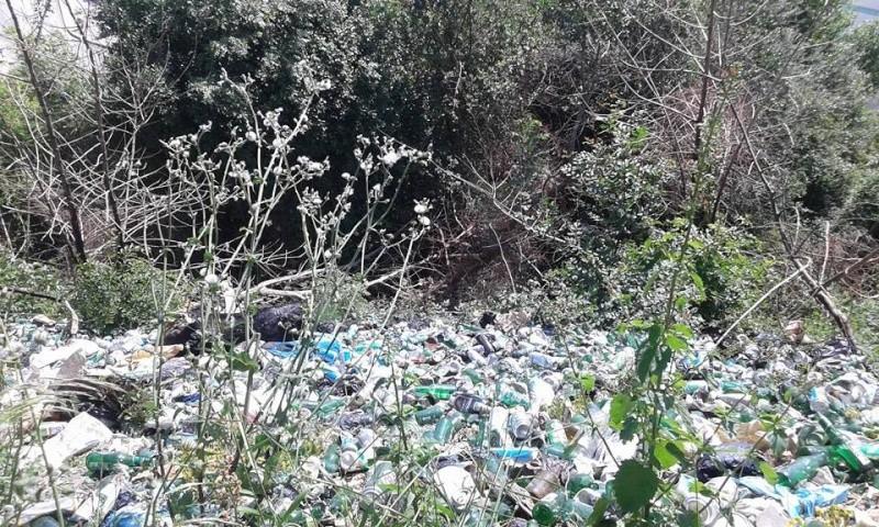 volontariat de nettoyage de la route du Cap à Aokas le 02 mai 2015 230
