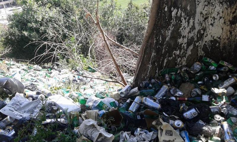 volontariat de nettoyage de la route du Cap à Aokas le 02 mai 2015 231