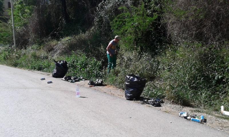 volontariat de nettoyage de la route du Cap à Aokas le 02 mai 2015 233