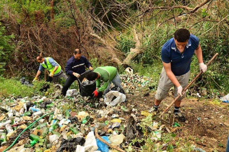 volontariat de nettoyage de la route du Cap à Aokas le 02 mai 2015 271