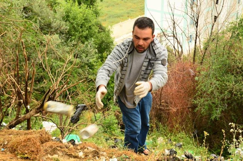 volontariat de nettoyage de la route du Cap à Aokas le 02 mai 2015 275