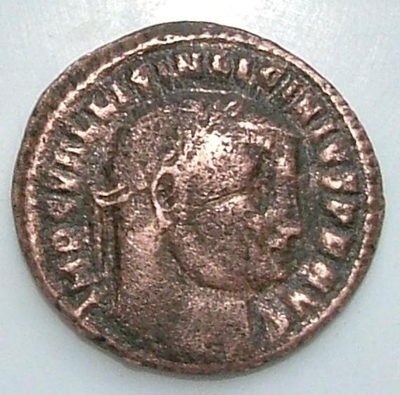 Un Follis de Licinius Ier ???? Dscf7510