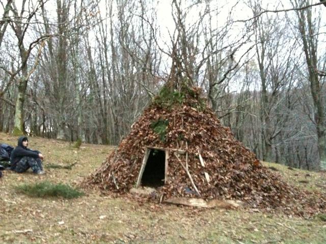 [Abri] Hutte de camp de base façon tchoum sibérien Img_0118