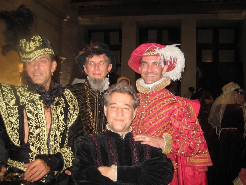 le bal de Versailles à Chambord, Octobre 2010 - Page 2 Lebalc18