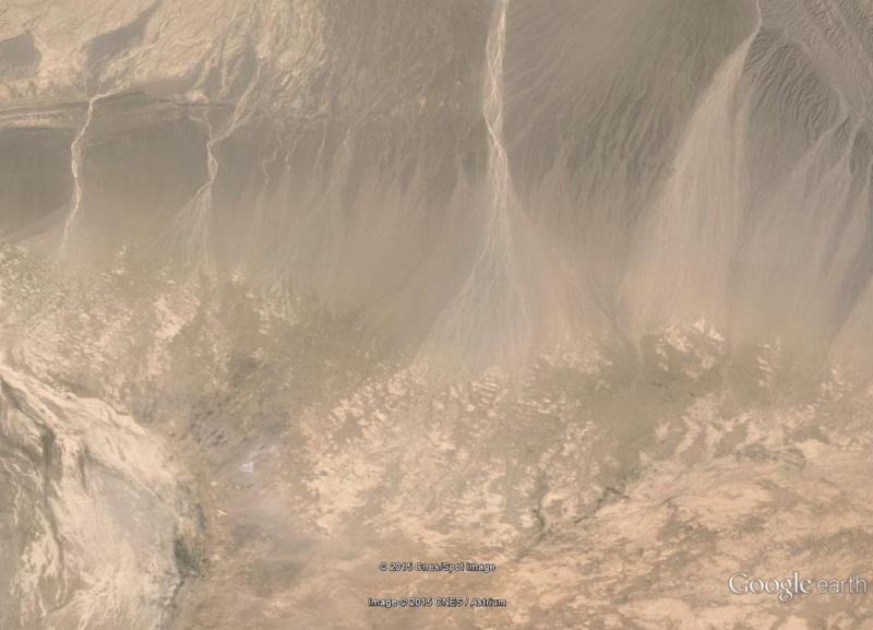 2012 [Image truquée de Google Earth]  2012_f10