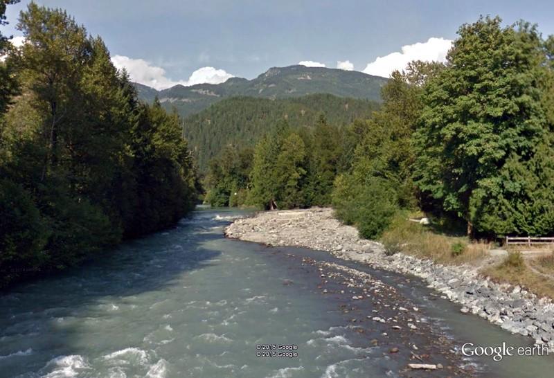 L'arc volcanique des Cascades (sujet participatif) Riviyr10