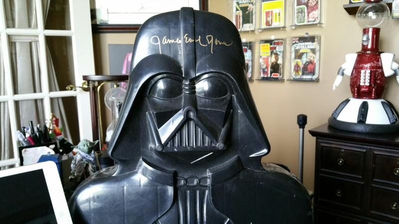 Vintage Darth Vader Figure Case signed by James Earl Jones! - Fundraiser for the Gillis Family!! Vader211