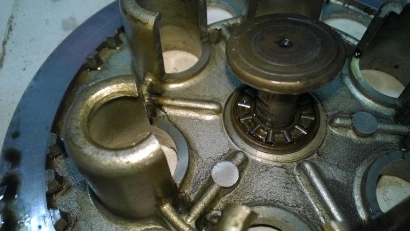 """Frizione smontaggio (attenzione errore sul manuale officina """"Clymer"""") Wp_20115"""