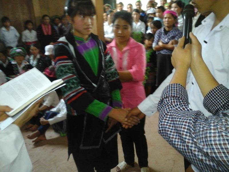 Người Công Giáo H, Mông ở Điên Biên Hmoob Kav Tos liv (Catholic) nyob xeev Dien Bien cob tsib teb Cim_co10