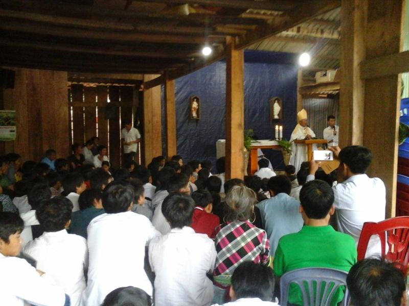 Người Công Giáo H, Mông ở Điên Biên Hmoob Kav Tos liv (Catholic) nyob xeev Dien Bien cob tsib teb Thaj_t10