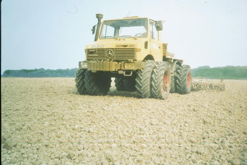 L'unimog en agriculture Tracte11