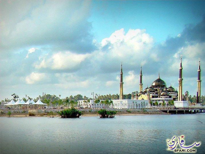 اجمل مساجد العالم المسجد الكرستالي في ترينغانو 210