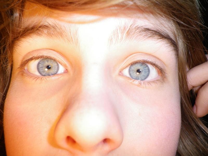 Circle lenses sur yeux bleus-gris Photos17