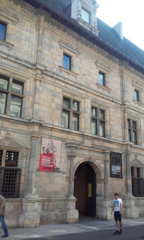 L'horlogerie et l'immobilier à Besançon - Page 2 Renais10