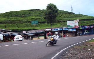 Cornering team in Action 100b3210