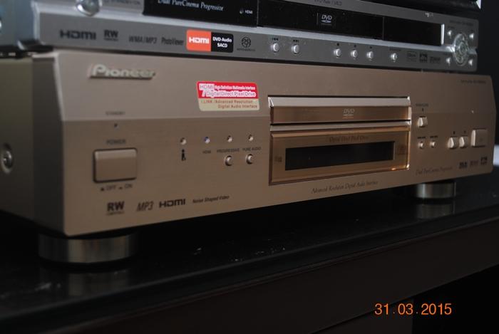 Pioneer DV-S969AVI DVD Player (sold) Dsc_0029