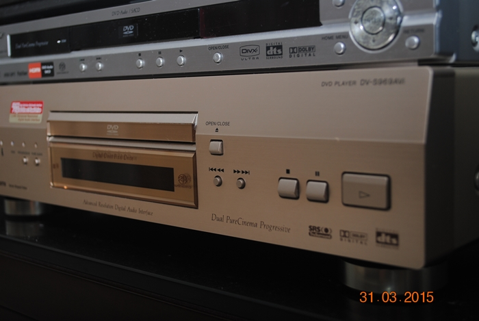 Pioneer DV-S969AVI DVD Player (sold) Dsc_0030