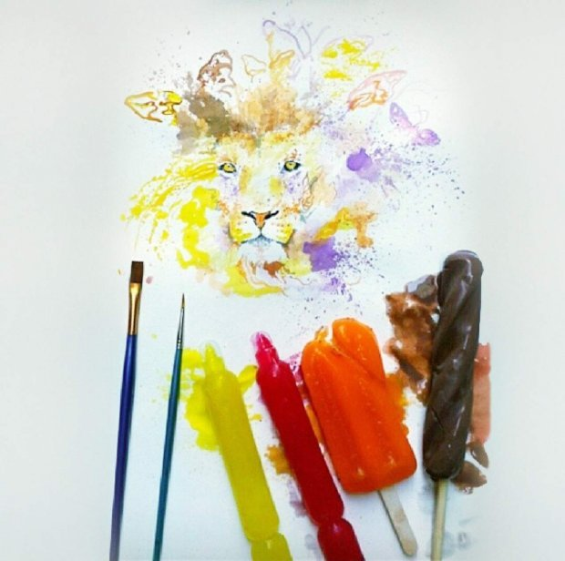 Dipinge usando i gelati come colori 620xnx10