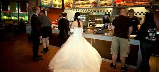 Burger King finanzierà un matrimonio - Pagina 2 E170bd10