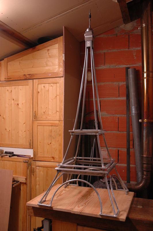 [Réalisation] Tour Eiffel au 1/200e stylisée  07010