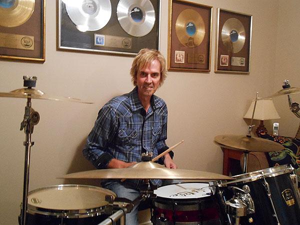 R.I.P. Bruce Crump le batteur de Molly Hatchet Bruce-11