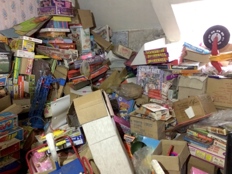SW toys and other toy treasures discovered in a toy shop closed since 2009!  Wo_1010