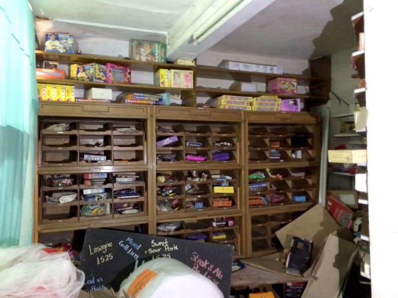 SW toys and other toy treasures discovered in a toy shop closed since 2009!  Wo_1310
