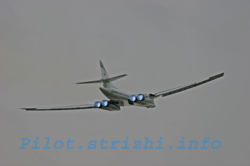 """Tu-160 """"White Swan"""" - Page 7 Img_9610"""