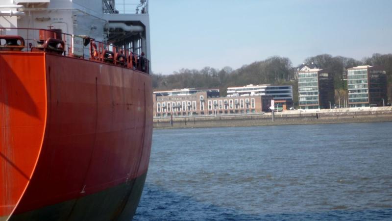 Einsatzfahrt mit einem Schlepper im Hamburger Hafen 06810