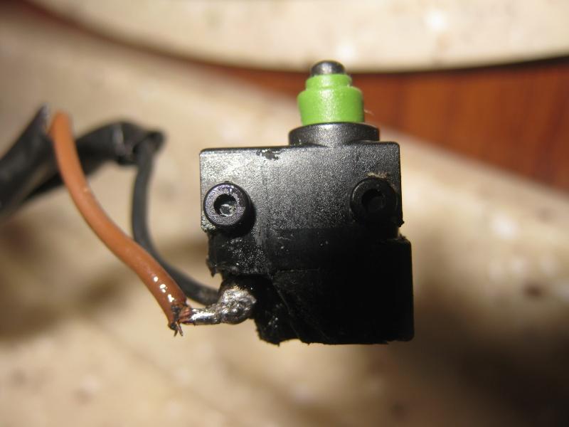 [INFOS Trechniques] j'ai besoin d'aide..... (microcontacteur robinet) Img_4614