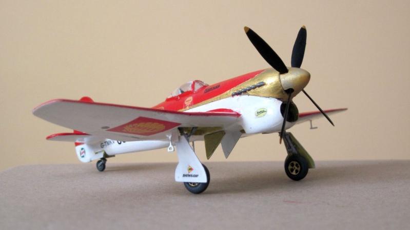 """[HELLER] - 1/72 - Hawker Tempest MkV """"Gold Leaf"""" 1-72_h10"""