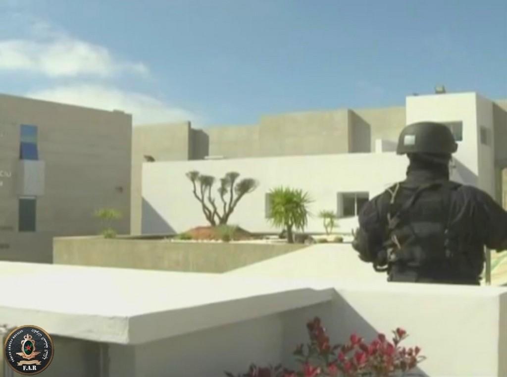 Moroccan Special Forces/Forces spéciales marocaines  :Videos et Photos : BCIJ, Gendarmerie Royale ,  - Page 2 Sans_t32