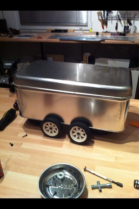 "la caravane ""Lunchbox"" Airstream  14796510"