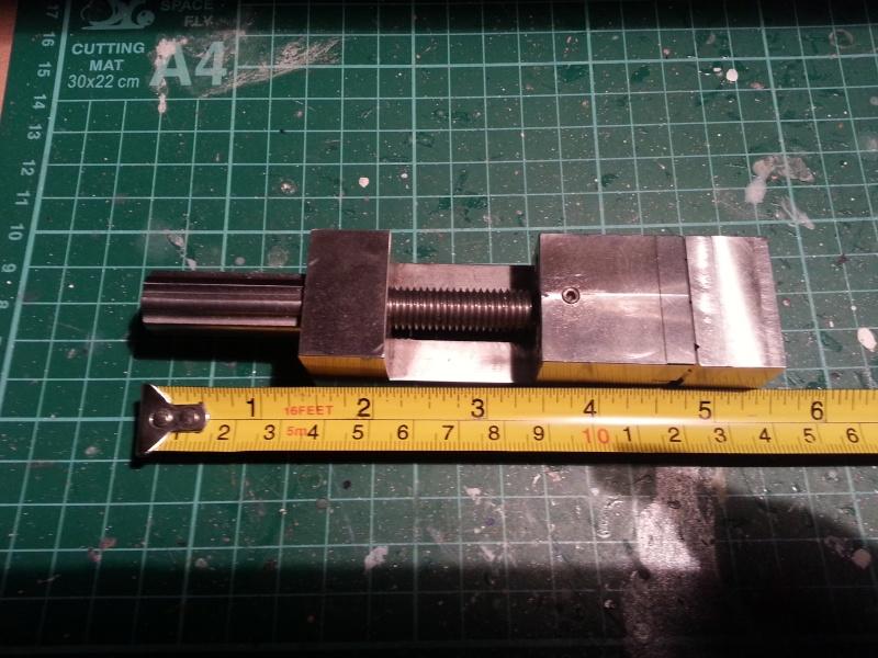 Mini Schraubstock und spezielle Halteklemmen 20150522